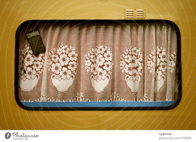 Deutsche Gemütlichkeit Detailaufnahme Muster Leben Ferien & Urlaub & Reisen Häusliches Leben Fenster Wohnwagen Kitsch Sicherheit Heimat Gardine Örtlichkeit
