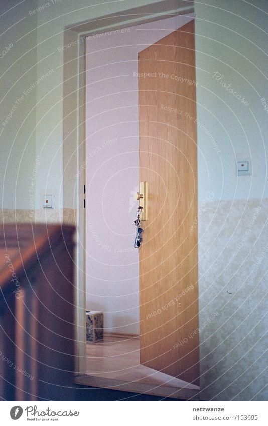 komm doch rein Wohnung Tür Häusliches Leben Abschied Flur Flucht zurück Treppenhaus Ankunft Einblick