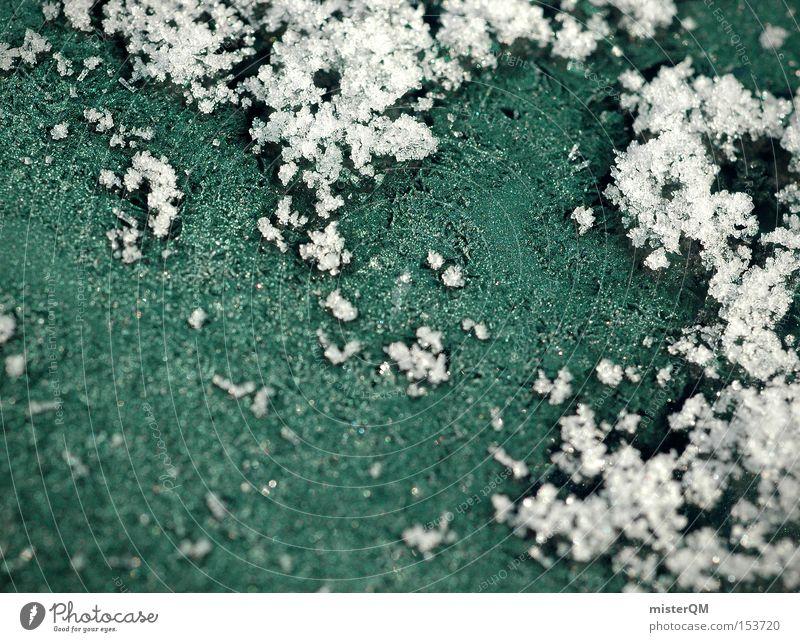 Eiskalt. Winter Farbe Schnee gefroren frieren Scheibe Kristallstrukturen Kristalle Eiskristall kratzen Mineralien Temperatur Winterdienst Minusgrade