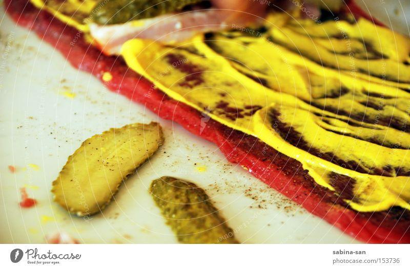 Roulade grün Ernährung Kochen & Garen & Backen streichen lecker Fleisch Scheibe Salz Wurstwaren Geschmackssinn Pfeffer Gurke Mahlzeit zubereiten Speise Senf