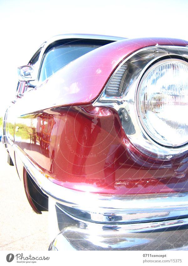 UScar Oldtimer rot Licht Chrom fahren unterwegs Geschwindigkeit Stoßstange Verkehr PKW USA Reichtum Rasen 0711concept