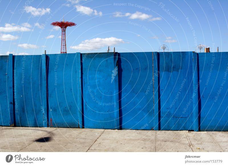 Coney Island Autumn Vergnügungspark New York City USA Stars and Stripes Zaun Attraktion Amerika Freizeit & Hobby Einsamkeit leer verfallen