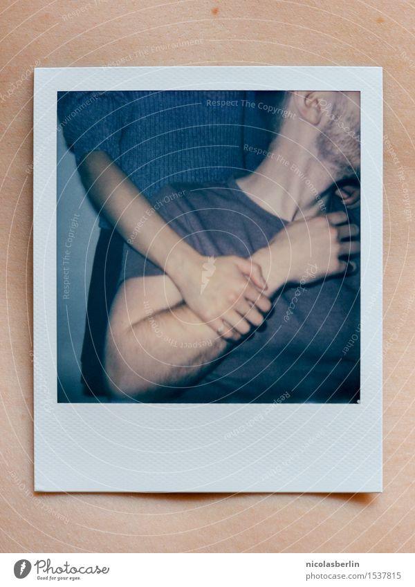 The Polaroid Session (3) Mensch Jugendliche schön Hand Freude 18-30 Jahre Erwachsene Leben Liebe natürlich feminin Paar Zusammensein Freundschaft Zufriedenheit