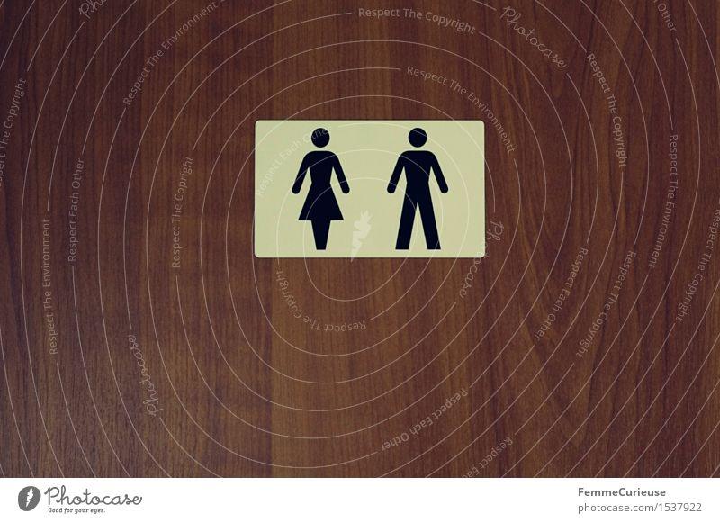 Frau&Mann. Holz Zusammensein Schilder & Markierungen Hinweisschild Zeichen historisch Bad Symbole & Metaphern Toilette beige Maserung Warnschild