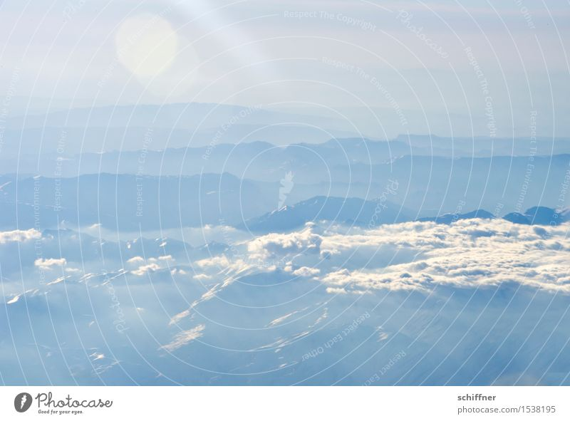 Von oben so friedlich III Umwelt Natur Landschaft Wolken Sonne Winter Schönes Wetter Nebel Eis Frost Schnee Felsen Berge u. Gebirge Gipfel Schneebedeckte Gipfel