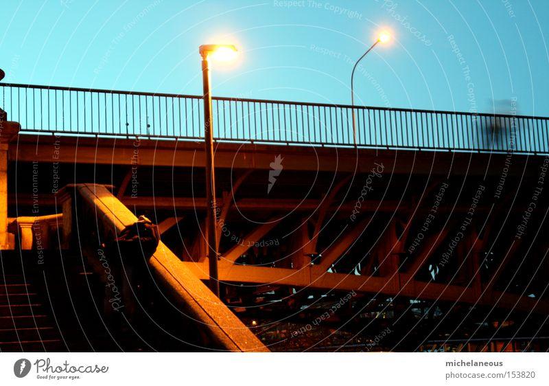 leichen vor den brücken ... blau Bewegung orange Deutschland Brücke Leidenschaft Laterne Erschöpfung