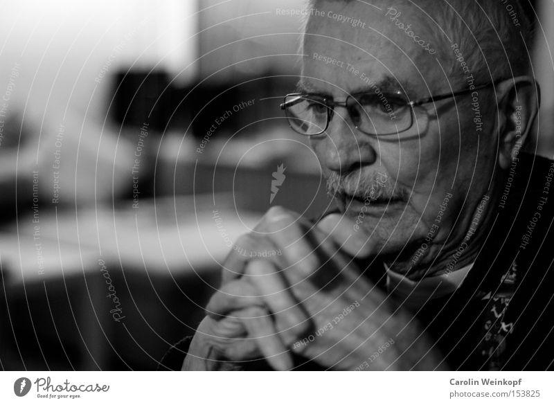 Großvater. Hand alt Senior Mensch Nase Brille Ohr Bart Falte Großvater Ruhestand Gesicht grauhaarig Männlicher Senior
