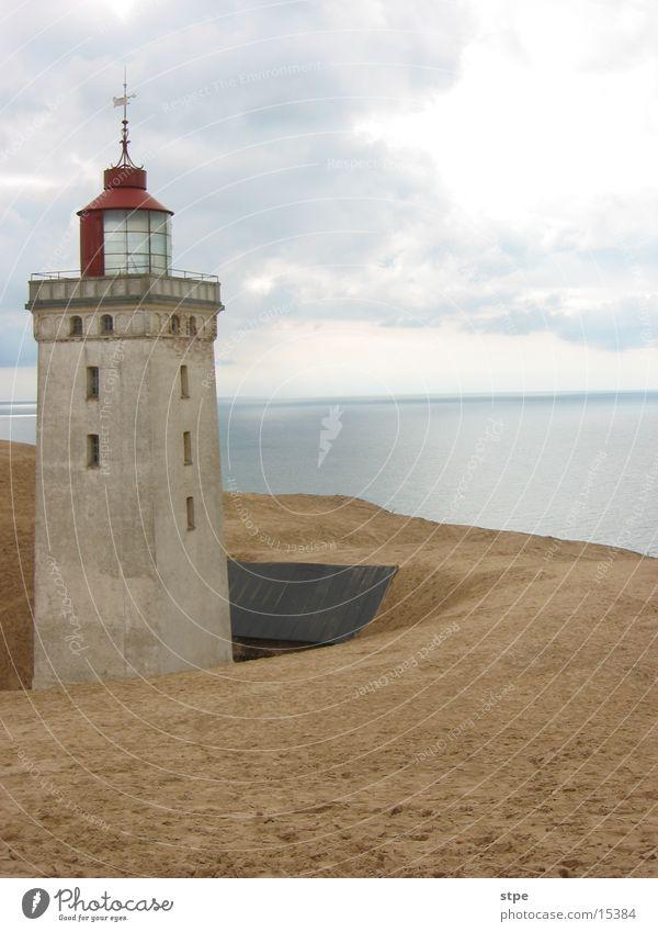 Leuchtturm aD Meer Architektur Sand Stranddüne beerdigen Dänemark Nordsee