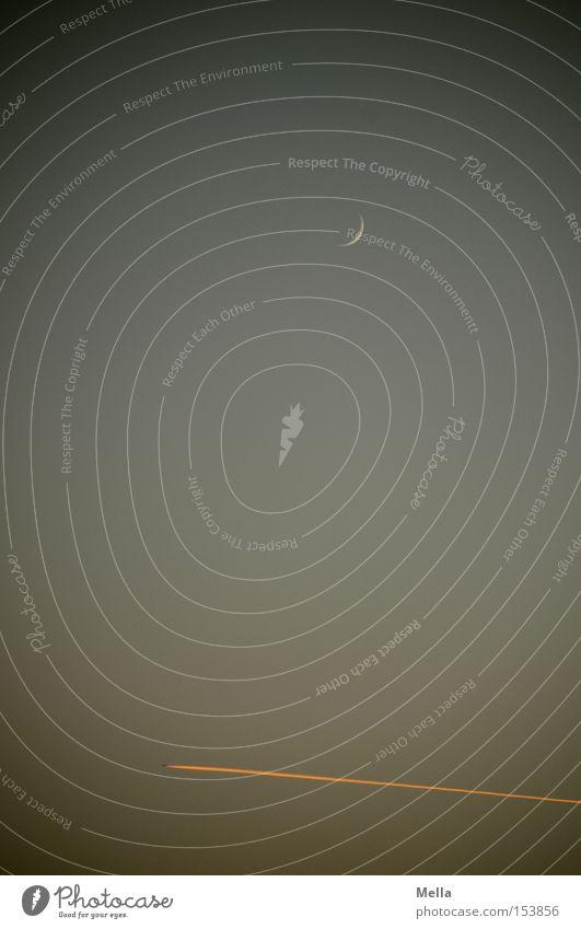 falscher Kurs, Käpt'n Mond Sichelmond Himmel Dämmerung Flugzeug Kondensstreifen Abend Klima Umwelt blau grau orange Himmelskörper & Weltall Luftverkehr