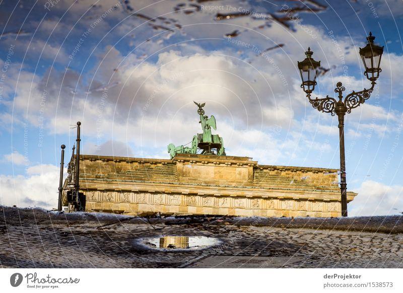 Der Charme bleibt auch in der Pfütze erhalten Himmel Ferien & Urlaub & Reisen grün schön Wolken Winter Umwelt Architektur Gefühle Berlin Gebäude Tourismus Macht