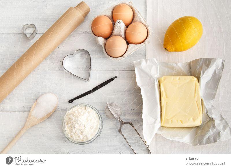 Backtag weiß gelb Holz Glück Lebensmittel Frucht Freizeit & Hobby frisch Ernährung Fröhlichkeit Herz Kochen & Garen & Backen Kuchen Ei Inspiration Backwaren