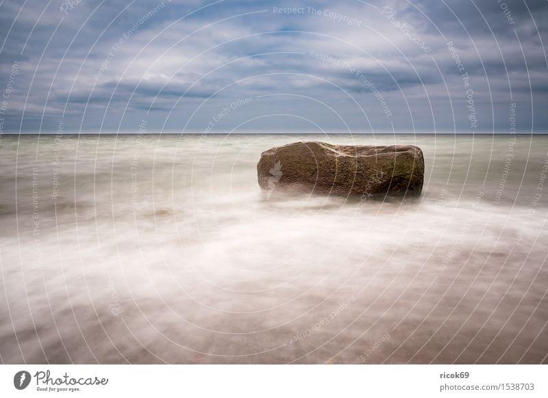 An der Küste der Ostsee Erholung Ferien & Urlaub & Reisen Strand Meer Natur Landschaft Wasser Wolken Felsen Stein Romantik Idylle Tourismus
