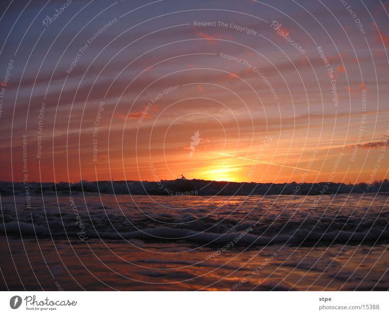 Sonnenuntergang 2 Meer Wellen Licht Wolken Himmel