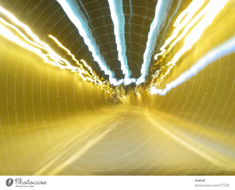 Tunnelfahrt Nacht Langzeitbelichtung Bonn Geschwindigkeit Tunnelblick