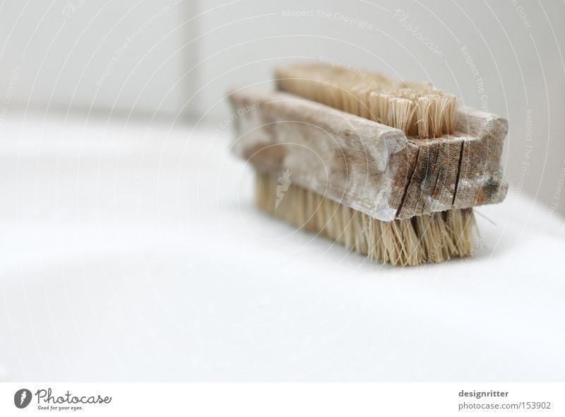 aufgerieben Bürste Waschbecken Bad Sauberkeit Reinigen Geschirrspülen Holz alt Borsten Hand Finger Handwaschbürste schrubben