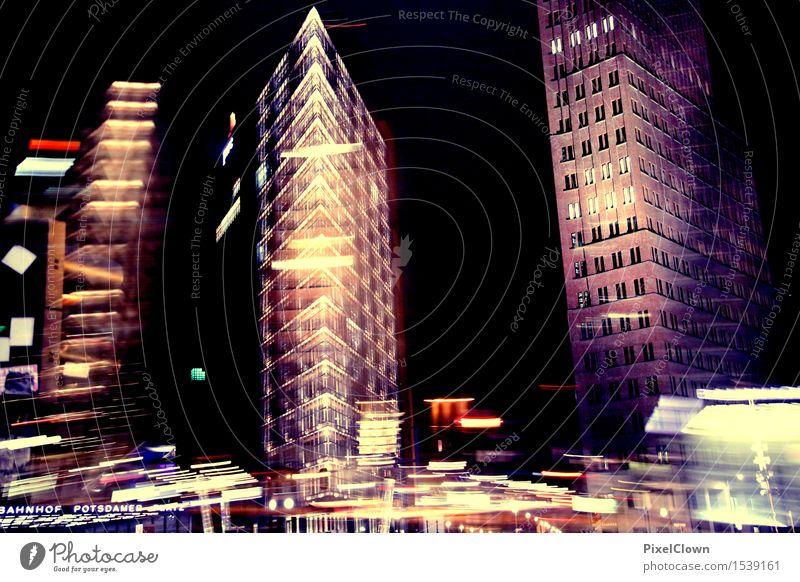 Berlin Lifestyle kaufen Ferien & Urlaub & Reisen Tourismus Sightseeing Städtereise Nachtleben Kunst Nachthimmel Sehenswürdigkeit Verkehr Straßenkreuzung