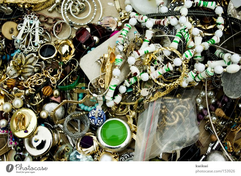 last der weiblichkeit schön Metall gold Gold Schmuck chaotisch Kette durcheinander silber Silber Anhäufung schick Haufen Ohrringe Armband Schmuckanhänger