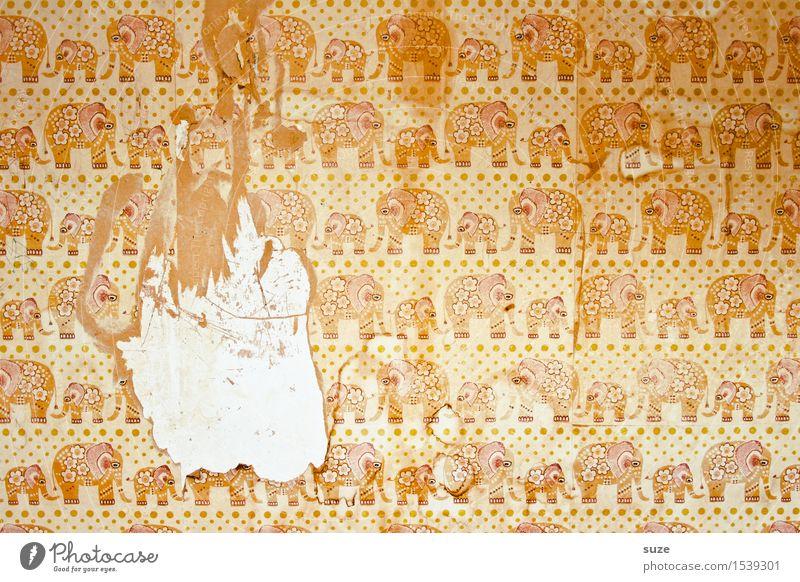 Kleiner Ausreißer alt Einsamkeit Wand Traurigkeit Hintergrundbild Zeit Design Angst dreckig Dekoration & Verzierung retro Kindheit Vergänglichkeit kaputt