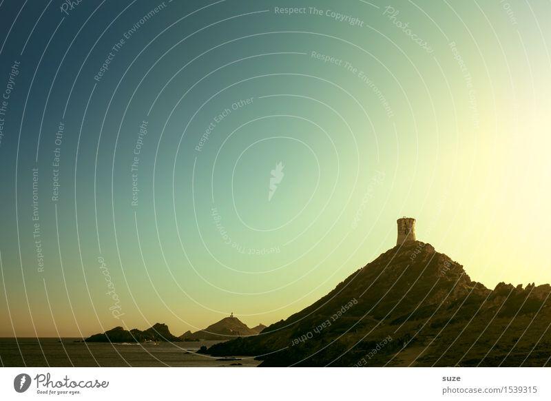 Alterserscheinung Natur Ferien & Urlaub & Reisen alt Sommer Meer Landschaft Berge u. Gebirge Reisefotografie Küste außergewöhnlich Zeit Stimmung Platz