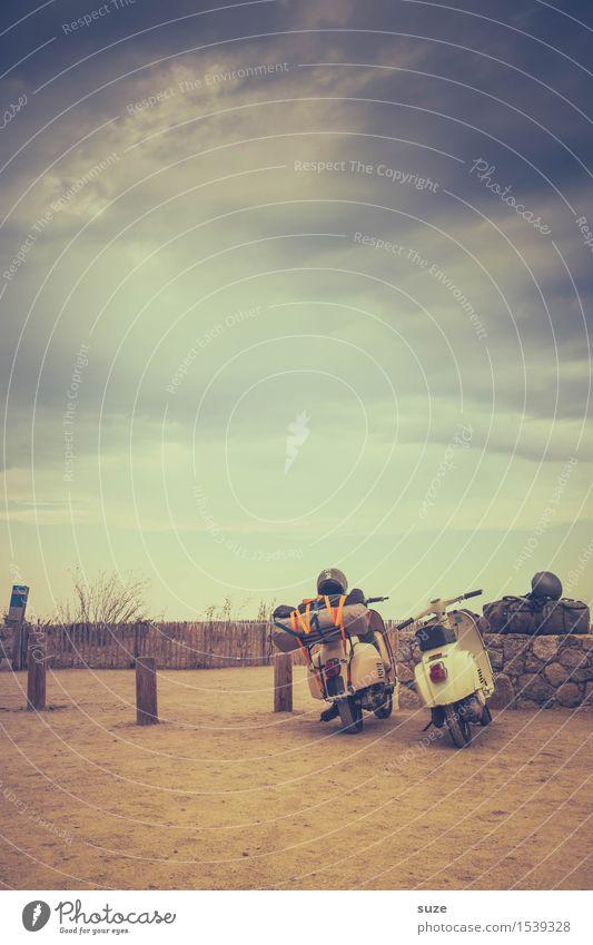 Auf Durchreise Ferien & Urlaub & Reisen Ausflug Camping Sommer Sommerurlaub Verkehrsmittel Fahrzeug Oldtimer Motorrad Kleinmotorrad retro Gelassenheit Pause