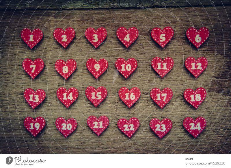 Die Liebe zählt Basteln Dekoration & Verzierung Weihnachten & Advent Kultur Holz Zeichen Ziffern & Zahlen Herz warten klein niedlich braun rot Vorfreude