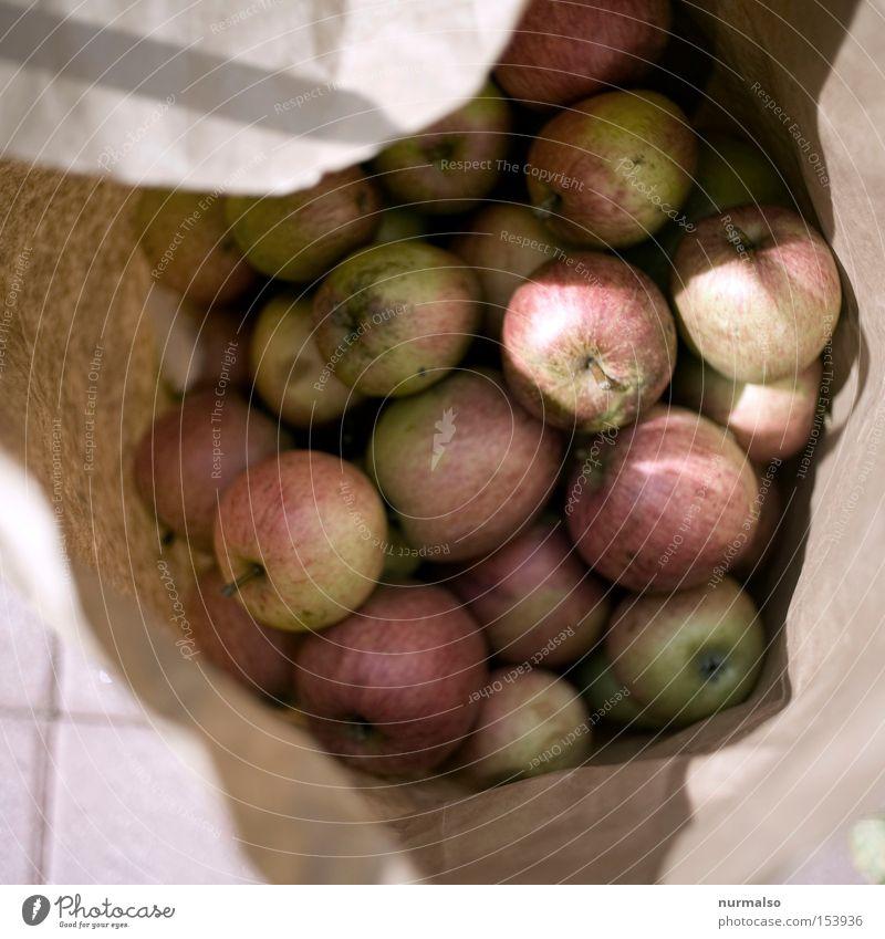 lauter Äppel Apfel Tüte Frucht Wange Baum Garten Ernte Papier ökologisch veredeln rot saftig lecker Gesundheit Herbst Landwirtschaft