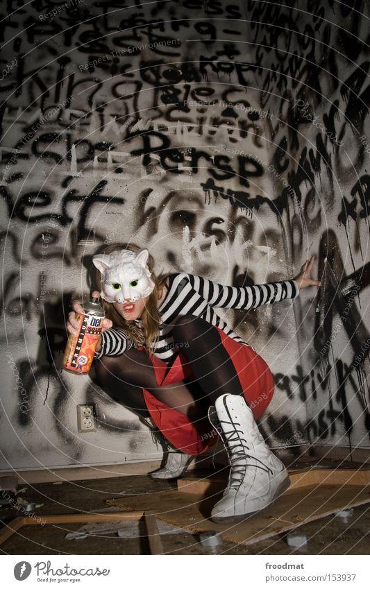Penisneid Katze sprühen Graffiti Schmiererei Toilette Surrealismus Pornographie anstößig Rock Maske verkleiden Justizvollzugsanstalt Sprühdose verfallen