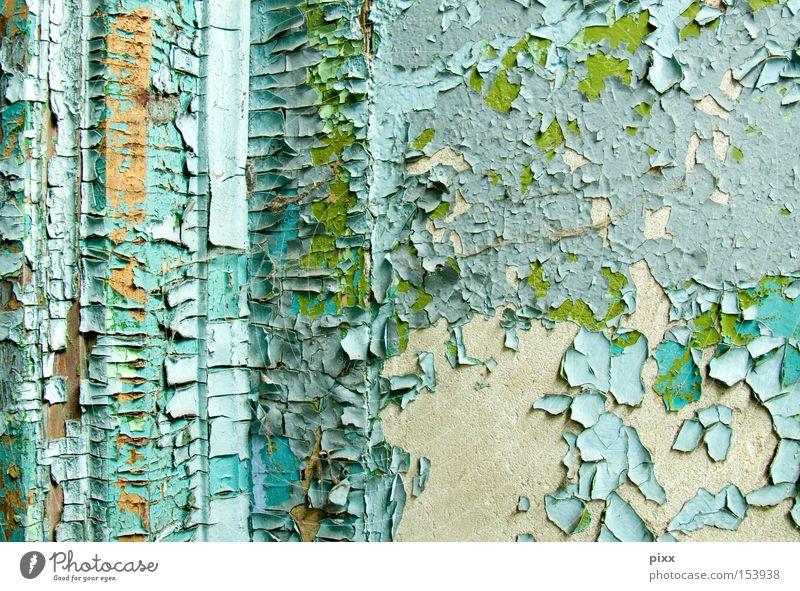 Farbwunsch grün blau Farbe Wand Zeit verfallen türkis historisch Renovieren Oberfläche Rest Lack Untergrund Altbau abblättern hell-blau