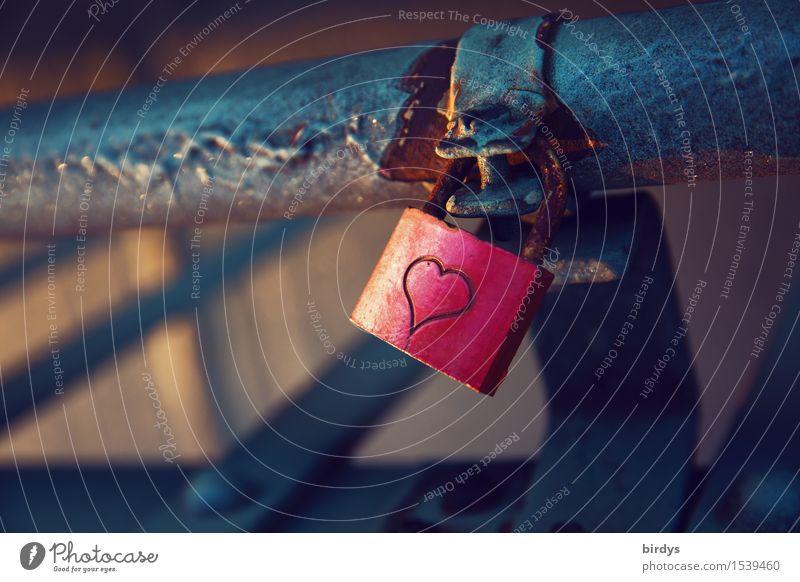 manche Liebe rostet Herz Schloss leuchten authentisch einfach glänzend trendy Kitsch positiv grau rosa Lebensfreude Vertrauen Sicherheit Freundschaft