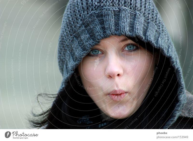 uhhuuuuu.o. Frau Porträt Winter Gesicht schwarz Auge kalt Herbst Haare & Frisuren grau Park Mensch bleich Kapuze erstaunt