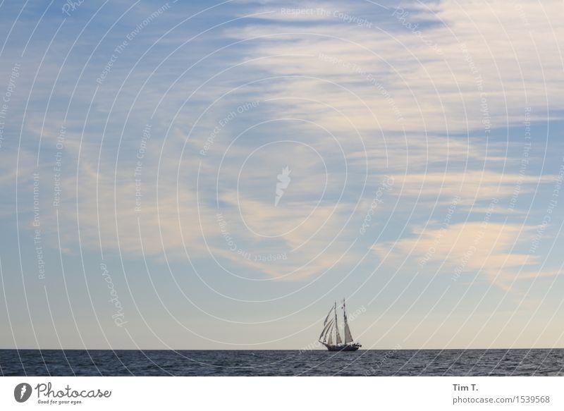 Fernweh Natur Landschaft Wasser Himmel Wolken Horizont Sommer Ostsee Meer Schifffahrt Bootsfahrt Jacht Segelboot Segelschiff Stimmung Ferien & Urlaub & Reisen