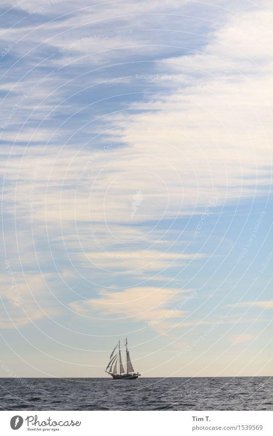 Segeln Ostsee Schifffahrt Kreuzfahrt Bootsfahrt Jacht Segelboot Segelschiff Abenteuer Wolken Himmel Meer Horizont Farbfoto Außenaufnahme Menschenleer Tag