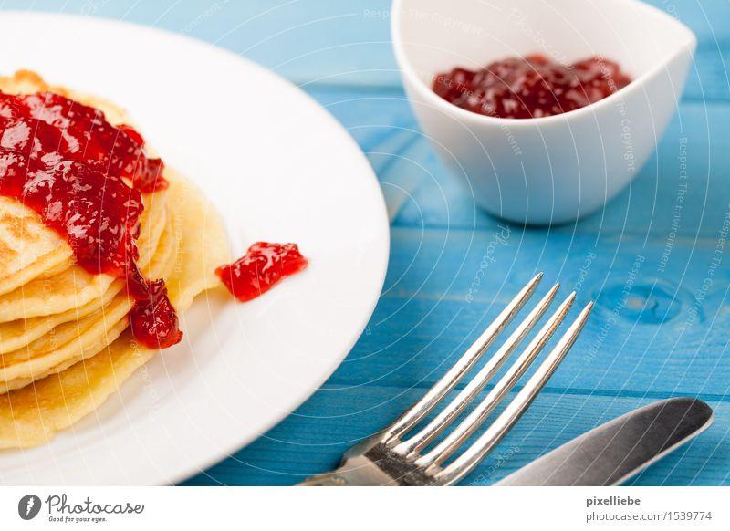 Pfannkuchen mit Konfitüre III blau Essen Holz Lebensmittel Wohnung Frucht Ernährung Tisch Kochen & Garen & Backen Küche lecker Gastronomie Süßwaren Übergewicht