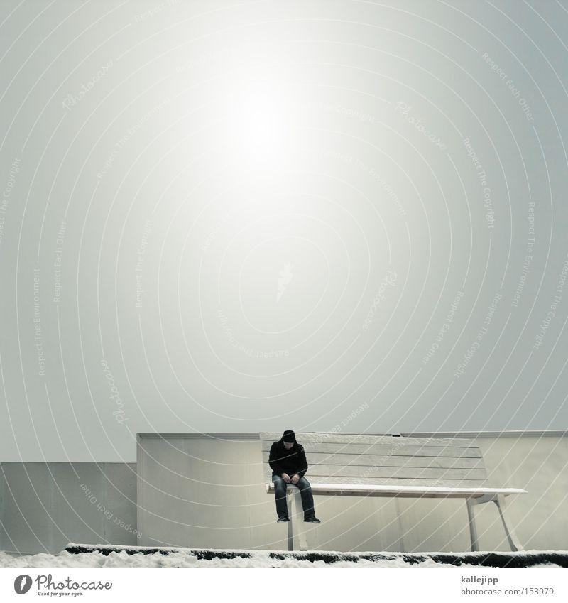 schneewittchen Bank Geldinstitut sitzen hocken Märchen Mensch warten Winter Schnee Park groß klein Zwerg Koloss optische täuschung Irritation