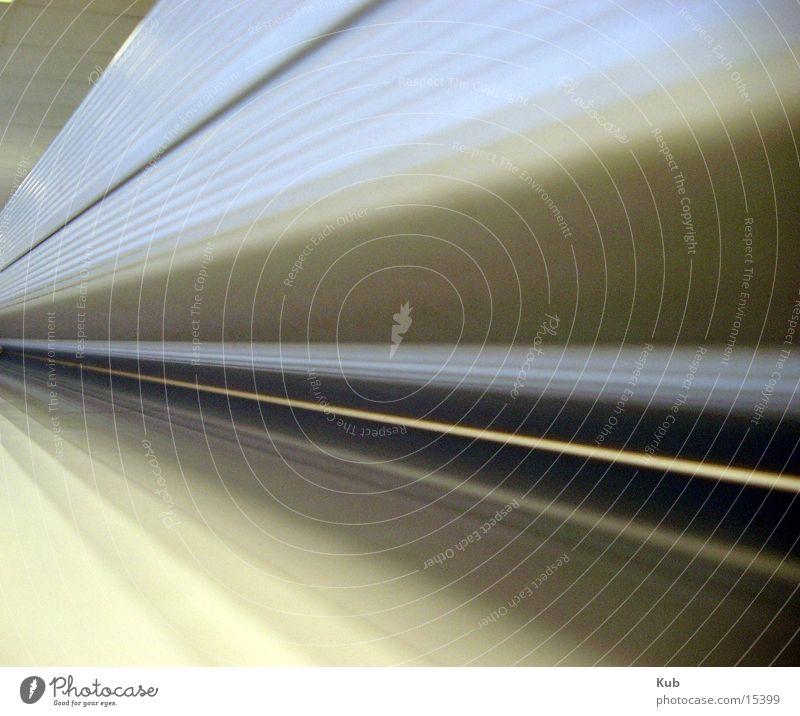 Die Linie Metall Perspektive Industrie Technik & Technologie Ende Tunnel