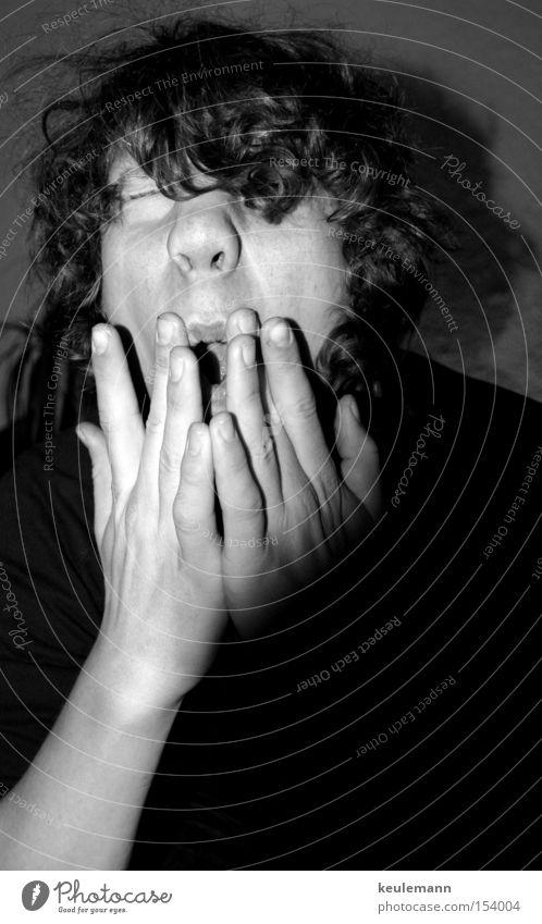 Freak?! Hand Grimasse Licht Schwarzweißfoto Rausch träumen Mensch protrait unruhig