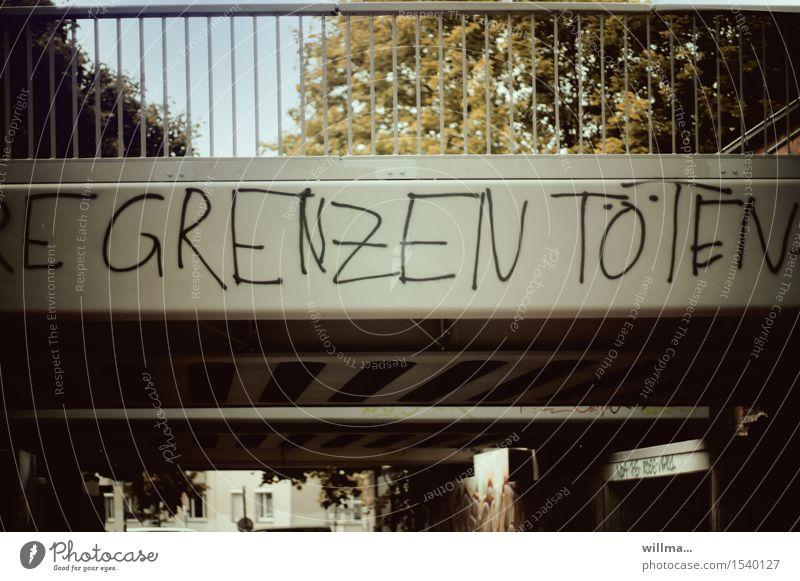 liveticker Brücke Grenze Schriftzeichen Graffiti Politik & Staat protestieren flüchten Fluchtweg Flüchtlinge Grenzen töten Warnung Flüchtlingskrise Farbfoto
