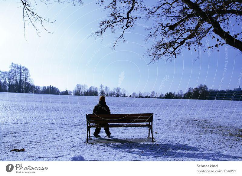 Einfach mal Pause machen Mensch Natur schön Himmel Sonne Winter Schnee Erholung Landschaft sitzen Perspektive Bank Aussicht Schneelandschaft