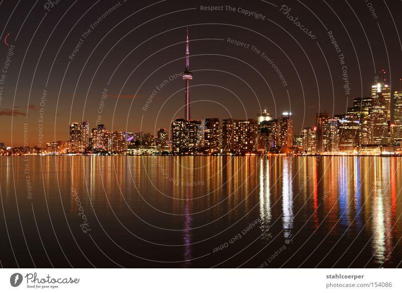 Skyline Toronto Wasser Stadt See Nacht Kanada Seeufer Stadtzentrum CN Tower