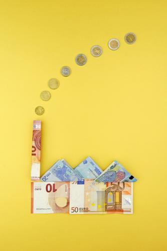 Produktionsfaktor gelb Kunst Business Wachstum ästhetisch Geld Fabrik Geldinstitut Wirtschaft Geldscheine Kunstwerk Kapitalwirtschaft Euro Geldmünzen