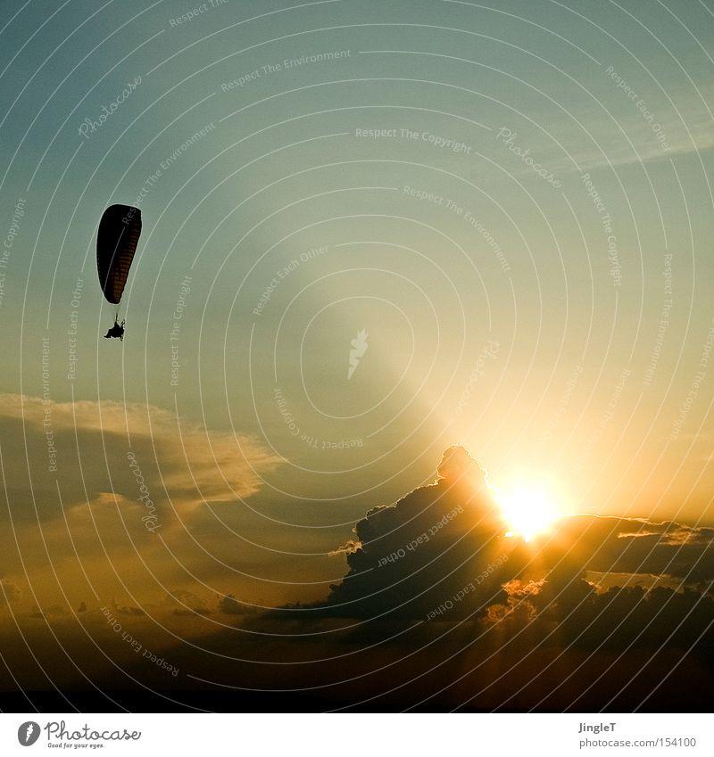 Sehnsucht Himmel schön Sommer Sonne Wolken Leben Wärme fliegen elegant Luftverkehr Fluggerät
