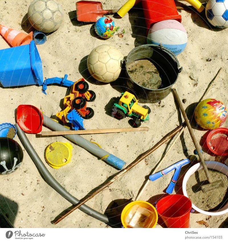 SandkastenChaos Spielen Freizeit & Hobby Kindheit Ball Spielzeug chaotisch durcheinander Stock 7 Bagger Traktor Schlamm Schaufel Eimer