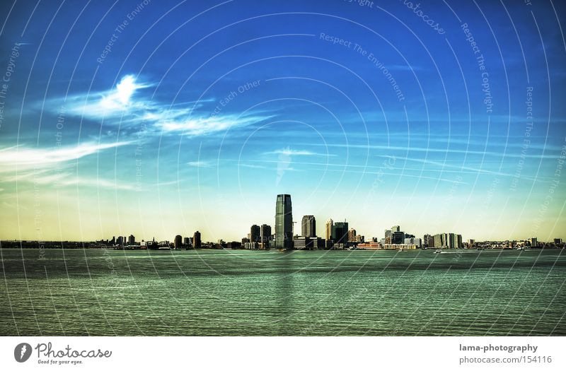 Atlantis New York City USA Hochhaus Skyline Meer Architektur Wolken Stadt Insel untergehen