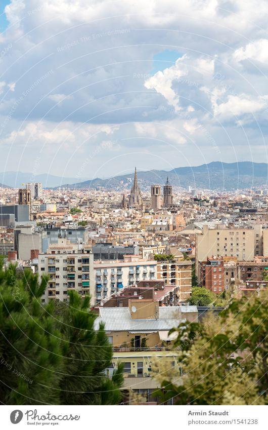 Barcelona Lifestyle Reichtum Stil Ferien & Urlaub & Reisen Tourismus Ferne Sightseeing Städtereise Sommerurlaub Haus Umwelt Himmel Wolken Schönes Wetter Stadt