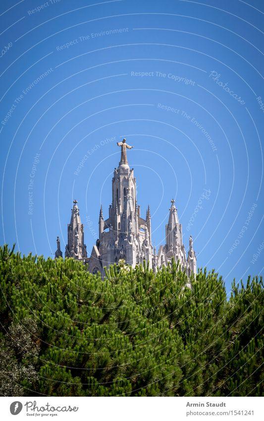 Tibidabo Barcelona Ferien & Urlaub & Reisen Sightseeing Städtereise Sommerurlaub Skulptur Kultur Himmel Schönes Wetter Stadtrand Kirche Bauwerk Architektur