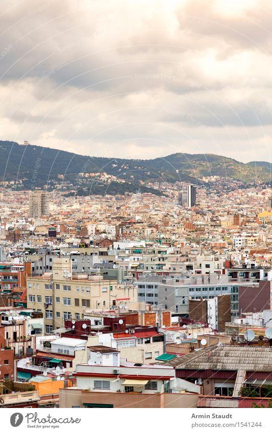 Barcelona Himmel Ferien & Urlaub & Reisen Stadt Wolken Haus Ferne Umwelt Architektur Stil Lifestyle Stimmung Tourismus Idylle Hochhaus Schönes Wetter