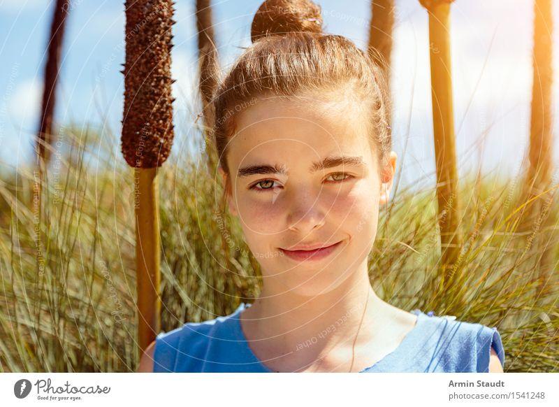 Porträt Mensch Himmel Jugendliche Pflanze schön Junge Frau Leben natürlich feminin Stil Lifestyle Gesundheit Glück Zufriedenheit Feld 13-18 Jahre