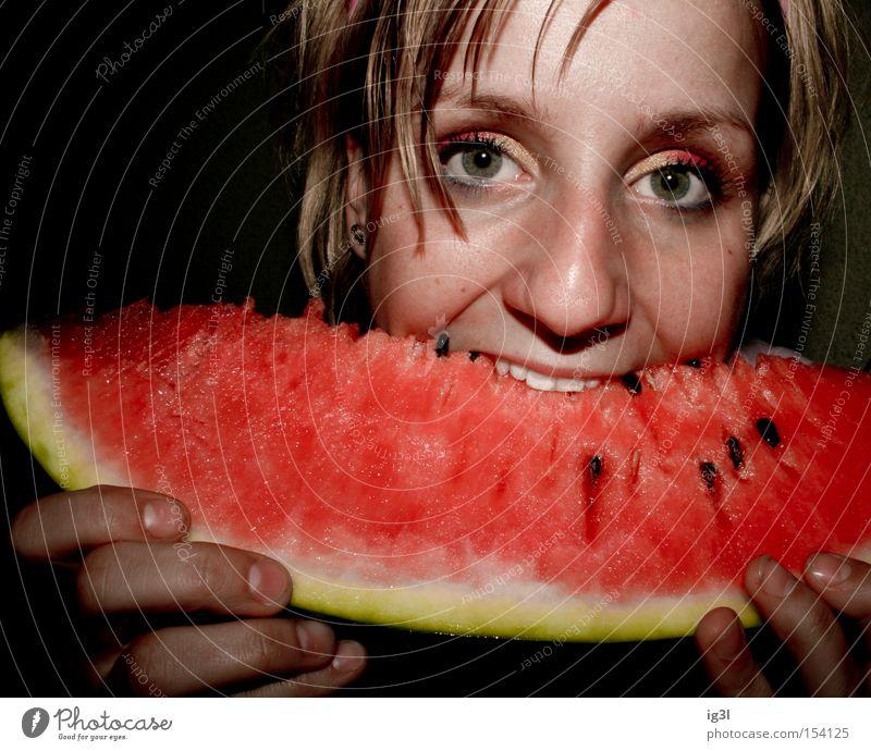 Kernspaltung Frau schön Ernährung feminin Gesundheit Essen Lebensmittel Frucht Appetit & Hunger Markt Mahlzeit Supermarkt Farbkasten Verdauungsystem Tiefkühlkost