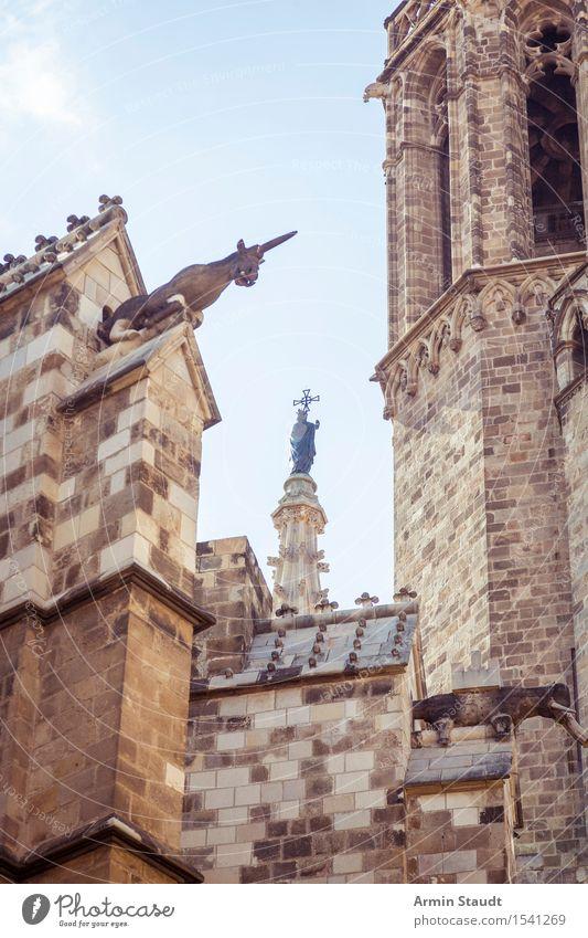 gotische Details Kunst Skulptur Architektur Himmel Schönes Wetter Kirche Dom Turm Mauer Wand alt Barcelona Kathedrale einhorn Patron Religion & Glaube Sandstein