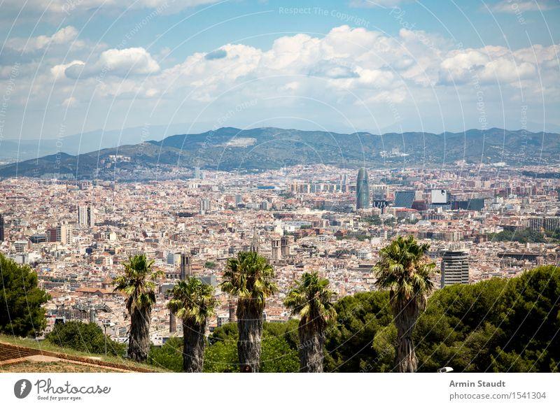 Barcelona Himmel Natur Ferien & Urlaub & Reisen Stadt Wolken Ferne Umwelt Architektur Stil Lifestyle Stimmung Tourismus Park Idylle Hochhaus Perspektive
